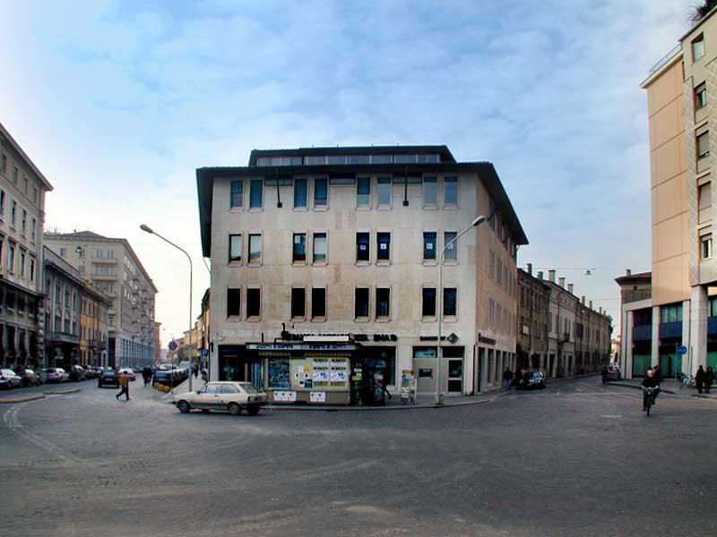 Piazza Martiri di Belfiore - Foto Giglioli